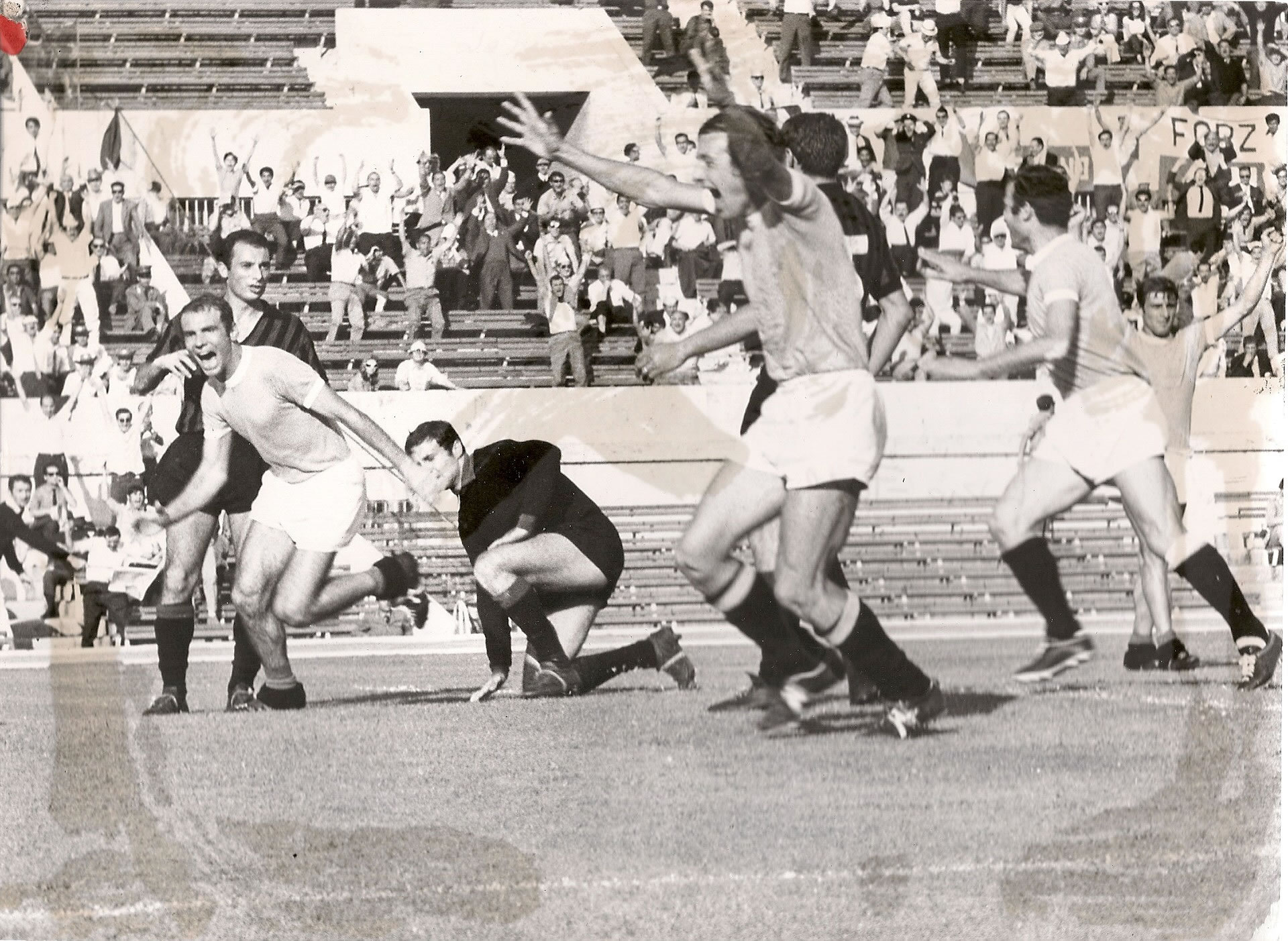 Sequenza del gol Lazio-Foggia 1-0 16/6/1968 (1/2)