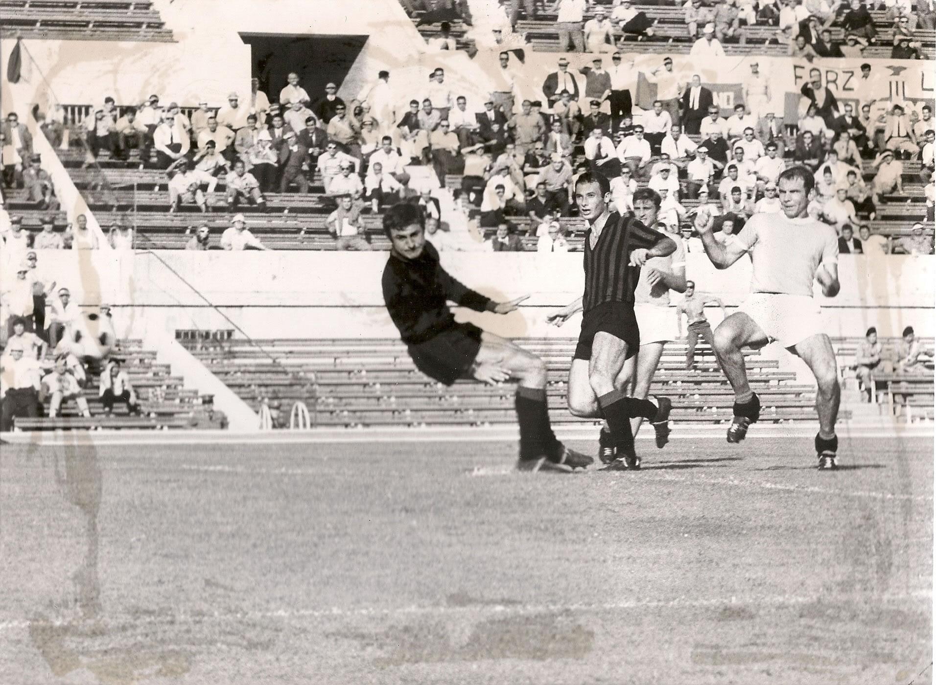 Sequenza del gol Lazio-Foggia 1-0 16/6/1968 (2/2)